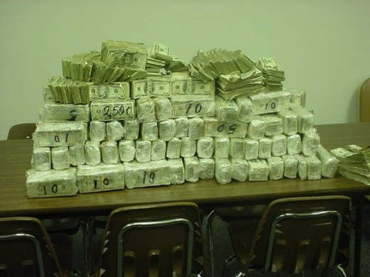 Texas Troopers seize $2.3 Million in Cash on traffic stop